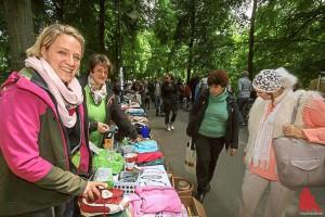 Reich gedeckte Flohmarkttische erwarten die Schnäppchenjäger am Samstag zum letzten Mal in diesem Jahr. (Archivbild: rwe)