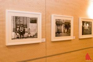 In der Fotoausstellung zeigen Klinikangestellte ihre Fotos. (Foto: cb)