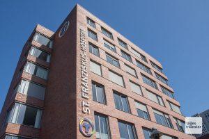 Die Krankenhäuser in Münster - hier das Franziskushospital - haben sich auf einheitliche Zugangsregelungen für Patienten und Besucher geeinigt, um den neuen Corona-Vorgaben in NRW zu folgen. (Archivbild: Thomas Hölscher)