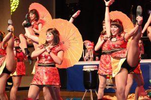 """Die Showtanzgruppe """"Eclipse"""" entführte die Gala-Gäste bei ihrem Auftritt bis nach Asien. (Foto: Jennifer von Glahn)"""