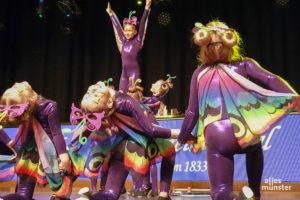 Das Freudenthaler Tanzcorps begeisterte mit seinem Schautanz. Die Fünf- bis Neunjährigen tanzten als Schmetterling und Frosch. (Foto: Jennifer von Glahn)