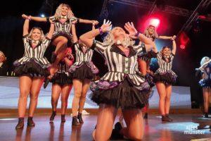 """Die Schautanzgruppe """"Eclipse"""" überzeugte """"In the name of Science"""": Die Mädels hatten sportlichen Tanz und Hebefiguren mit im Gepäck. (Foto: Jennifer von Glahn)"""