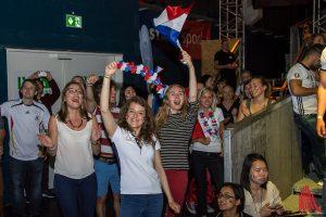 Freude hingegen bei den wenigen Frankreich-Fans. (Foto: th)