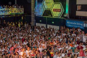 Auch beim zweiten Deutschland-Spiel volles Haus beim Public Viewing in der Hafenarena. (Foto: Thomas Hölscher)