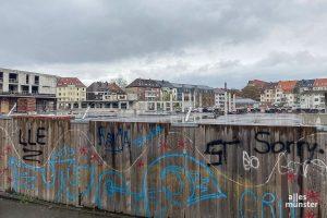 """Die Baustelle """"Hafenmarkt"""" am Hansaring. (Foto: Thomas Hölscher)"""