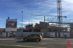 Auf der Baustelle am Hafencenter ruhen die Arbeiten. (Archivbild: Thomas Hölscher)