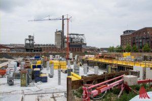 Das OVG Münster hat heute die Bauarbeiten am Hafencenter gestoppt. Die sind allerdings inzwischen schon erheblich weiter vorangeschritten seit dieses Bild im letzten Sommer entstand. (Archivbild: Thomas Hölscher)
