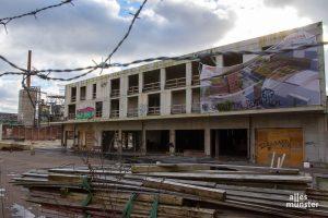 Kommt mit dem geplanten Hafenmarkt in die Bauruine am Hansaring wieder Leben? (Archivbild: Thomas Hölscher)