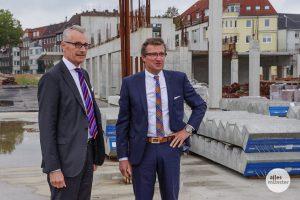 Aus dem Hafencenter soll ein HafenMarkt werden. Am Vormittag stellten die Stroetmann-Brüder ihre Pläne dazu vor. (Foto: Katja Angenent)