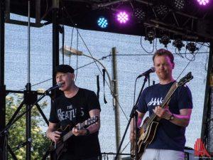 Beatle-Mania auf dem Hafenfest mit The Basement Beat. (Foto: al)