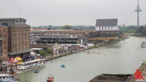 Diesen Anblick auf das Hafenfest wird es in diesem Jahr nicht geben. Ein großer Teil des Festes wird sich auf der anderen Seite des Hafenbeckens abspielen. (Foto: cabe)