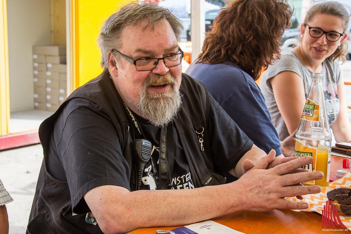 Mitveranstalter Detlef von Rüden vom Verein MS Hafen zieht Bilanz zum Hafenfest. (Foto: th)
