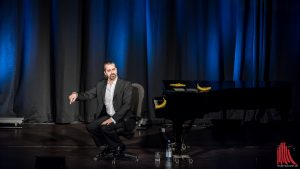 Kabarettist Hagen Rether bringt seine Themen auf den Punkt. (Foto: wf / Weber)
