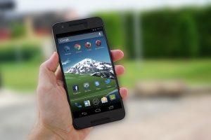 MIt der App CruiseUp bleiben die Hände am Lenker und nicht am Smartphone. (Symbolbild: CC0)
