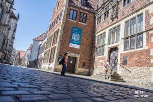 Das Haus der Niederlande wurde am 15. Mai 1995 eingeweiht. In ihm sind das Zentrum für Niederlande-Studien, das Institut für Niederländische Philologie und eine große Fachbibliothek zusammengeführt. (Foto: Thomas Hölscher)