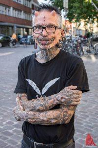Der Körper von Rolf Buchholz ist unverkennbar. (Foto: th)