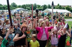 Bürgermeisterin Beate Vilhjalmsson hat gute Nachrichten zu verkünden: Es wird viel Spaß und viel Leckeres geben! (Foto: th)