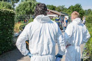Am 14. Juni wurde der Tatort, die Gartenlaube in Kinderhaus, ein letztes Mal gründlich untersucht und dabei Stück für Stück auseinander genommen. (Foto: Thomas Hölscher)