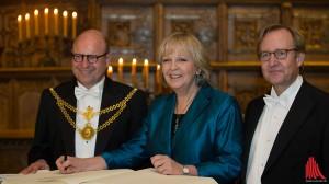 (v.l.:) Oberbürgermeister Markus Lewe, Ministerpräsidentin Hannelore Kraft und Matthias Lückertz, Vorsitzender der Kaufmannschaft. (Foto: cabe)