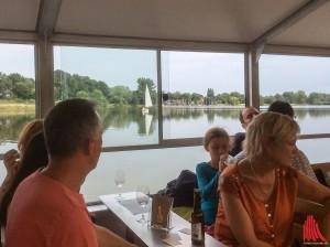 Die Gäste an Bord der Solaris genossen die etwas andere Rundfahrt auf dem Aasee. (Foto: na)