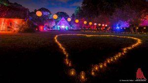 Die Lichter färbten den Mühlenhof in eine romantische Atmosphäre. (Foto: wf / Weber)