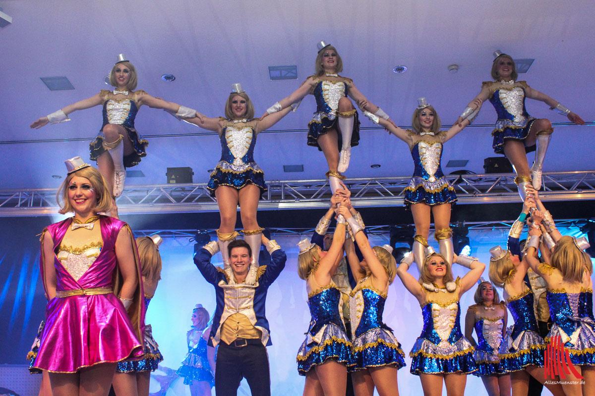 """Die Showtanzgruppe High Energy machte bei ihrem Showtanz """"A kind of Magic"""" ihrem Namen alle Ehre. (Foto: je)"""