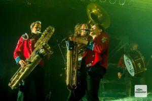 """MEUTE hat den Begriff """"Techno-Marching-Band"""" für sich erfunden. (Foto: Thomas Hölscher)"""