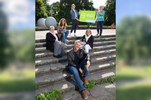 Mitglieder der Arbeitsgruppe setzen sich für die Einführung eines nachhaltigen Mehrwegsystems ein (v.l.): Renate Dölling (DEHOGA), Caroline König (Stadt Münster), Dorothee Jäckering (AWM), Marcus Geßler (Gastronom), Angelika Berning (Studierendenwerk Münster) und Dorothee Wißen (Stadt Münster). (Foto: Stadt Münster)