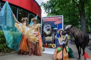 """Tiere und Elfen werden bei """"Nachts im Zoo"""" die Besucher gleichermaßen verzaubern. (Foto: th)"""
