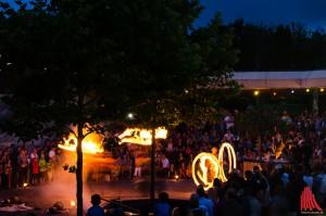 Spektakuläre Feuershow zum Abschluss der Nacht im Zoo. (Foto: th)