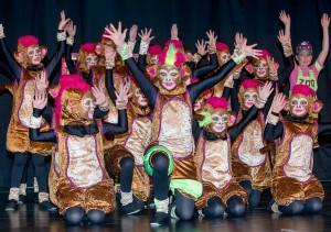 """Die Aaseeküken mit ihrem Showtanz """"Affenalarm! Im Zoo da sind die Affen los!"""" (Foto: Wolfram Linke)"""
