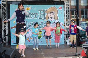 """""""Herr H"""" spielt auf dem Hafenfest Münster. (Foto: th)"""