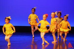 Bezaubernd, wie schon die Kleinen tanzen. (Foto: bk)