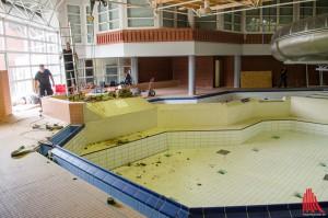 Das Hallenbad wird komplett saniert. Im Sommer nächsten Jahres soll es wiedereröffnet werden. (Foto: th)