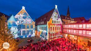 Beim Schauraum wird der Rathausinnenhof zum Roten Platz und die historischen Gebäude zu illuminierten Kunstwerken. (Foto: Thomas M. Weber)