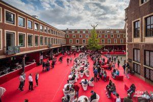 Der Rote Platz im Rathaus-Innenhof ist wieder Dreh- und Angelpunkt beim Schauraum. (Archivbild: Thomas M. Weber)