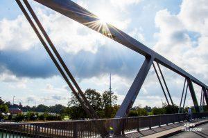 Die Schillerstraße, hier mit der Kanalbrücke, ist die erste ausgewiesene Fahrradstraße in Münster. (Archivbild: Thomas Hölscher)