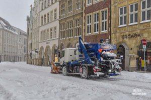 Der Schnee macht vielen in der Stadt weiterhin zu schaffen. (Foto: Tessa-Viola Kloep)