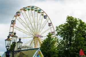 """Auch das Riesenrad """"Roue Parisienne"""" darf nicht fehlen. (Foto: th)"""