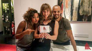 Die Tänzer (v.l.) Krystal Butler, Jordan Kristin und Mike Tyus nahmen sich nach der Show noch Zeit für uns. (Foto: tm)