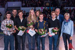 Auch Olympiasiegerin Ingrid Klimke (1.v.r.) unterstützt die Anerkennung Jugendlicher im Ehrenamt. (Foto: th)
