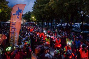 Zur letzten Skatenight für dieses Jahr machten sich 2400 Teilnehmer vor dem Schloss auf den Weg. (Foto: Thomas Hölscher)