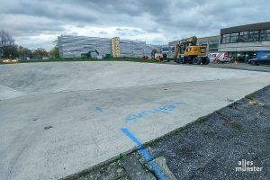 """Das Werk """"Square Depression"""" von Bruce Nauman soll am alten Standort rückgebaut werden. (Foto: Michael Bührke)"""