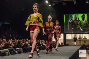 """Die Show """"Students on Catwalk"""" der Schule für Modemacher ist jedes Jahr ein Hingucker. (Archivbild: Thomas Hölscher)"""