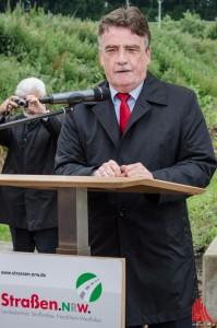 """""""Wir müssen dort ansetzen, wo Engstellen sind"""", sagt NRW-Verkehrsminister Michael Groschek. (Foto: th)"""