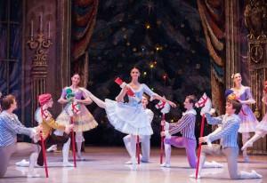 """""""Maria und die Kinder"""", eine der vielen bezaubernden Szenen aus dem """"Nussknacker"""", getanzt vom Staatlichen Russischen Ballett Moskau. (Foto: Logvinov)"""