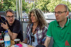 Zogen am Mittag erste Bilanz zum Stadtfest (v.l.): Fritz Schmücker (Münster Marketing), Ana Voogd (Münster Mittendrin GmbH) und Norbert Vechtel (Ordnungsamt). (Foto: th)