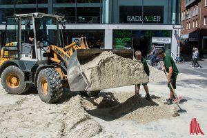 An der Stubengasse wird der City Beach aufgebaut. (Foto: th)