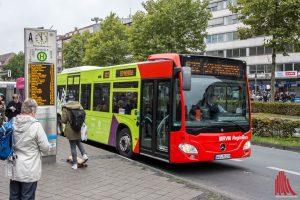 Von 16 bis 22 Uhr fahren die Busse der Linien 5 und N82 wegen des Spiels der Preußen gegen Hansa Rostock eine Umleitung. (Archivbild: Thomas Hölscher)