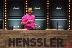 """Comedy-Kochen bei der Live-Show """"Steffen Henssler tischt auf...!"""" in der Halle Münsterland. (Foto: th)"""